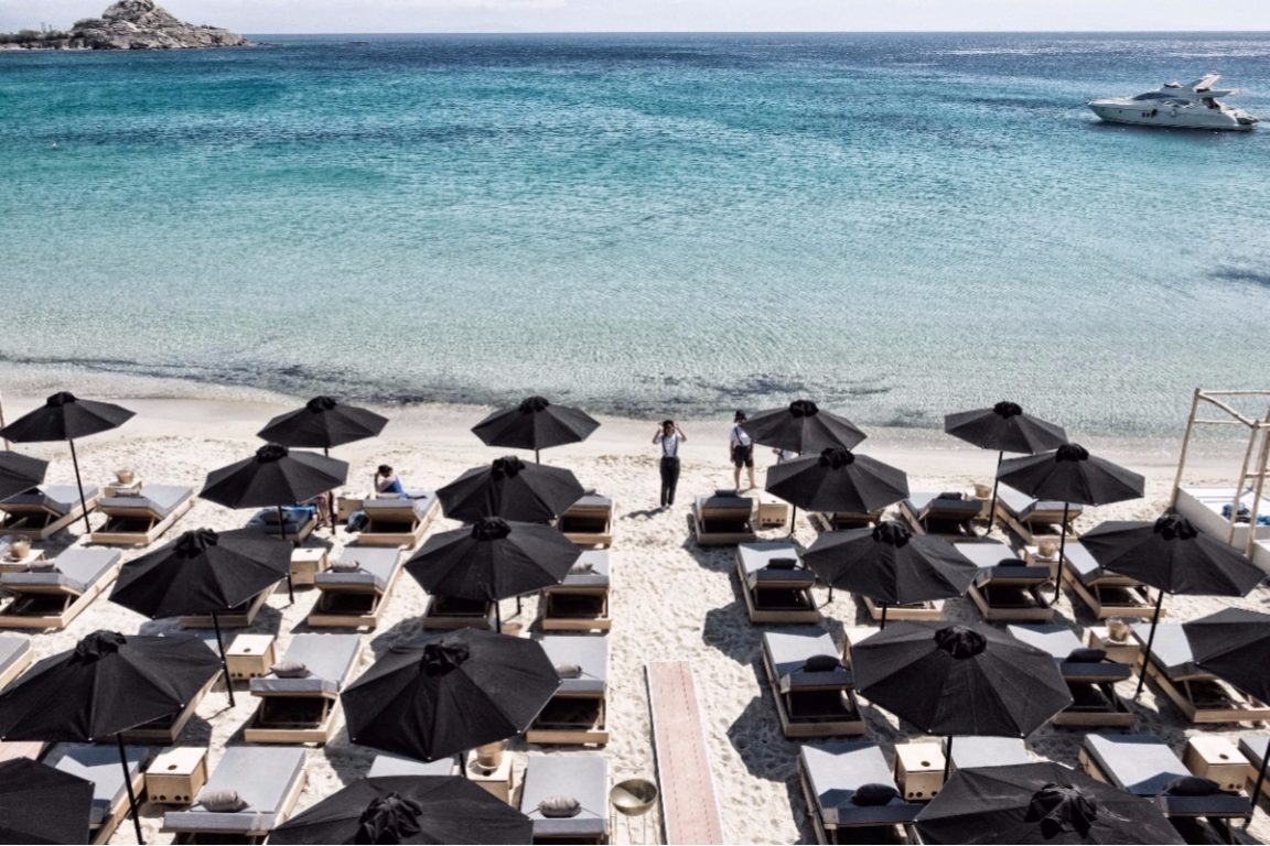 Live the best of Mykonos in September and the DK Oyster